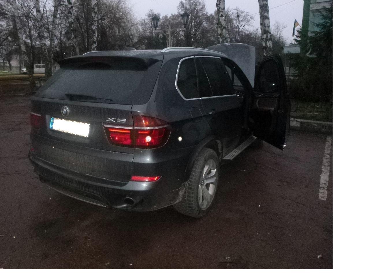 Виявлення автомобіля «BMW X5» зі знищеним номером двигуна