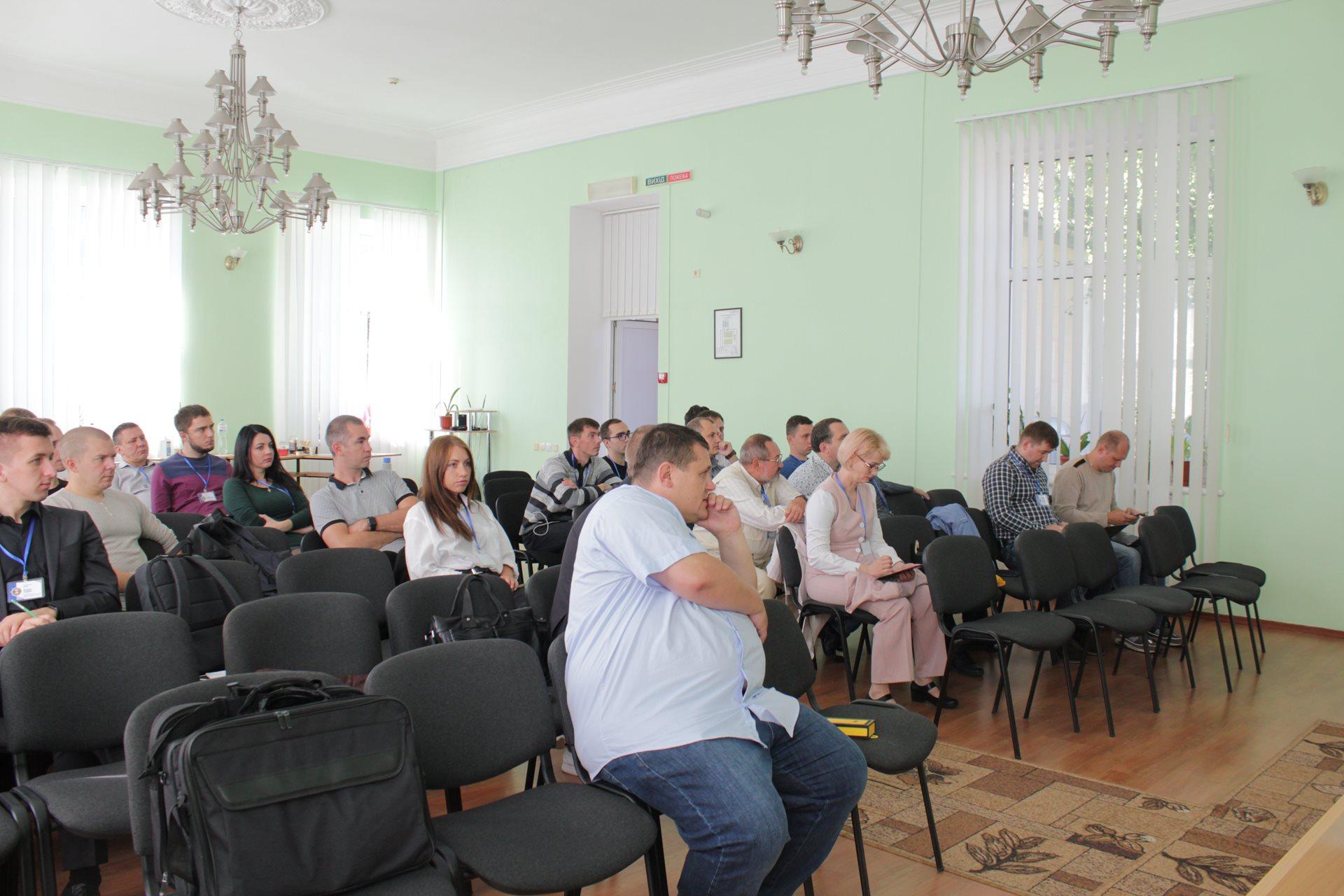 В Житомирському НДЕКЦ МВС продовжуються  заходи з працівниками Експертної служби МВС