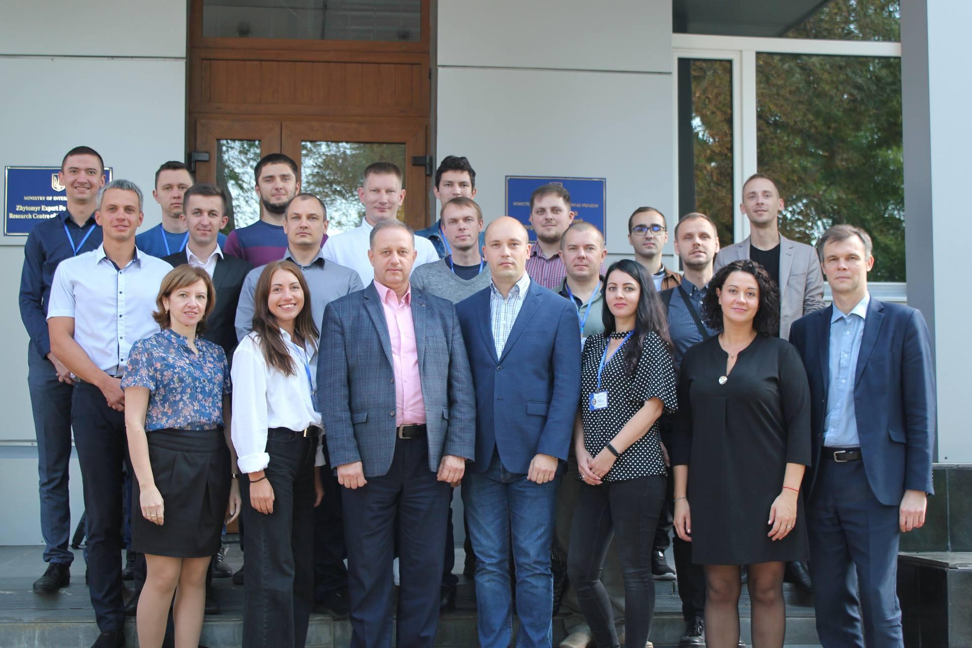 В Житомирському НДЕКЦ МВС завершено курсові збори за напрямком комп'ютерно-технічних досліджень
